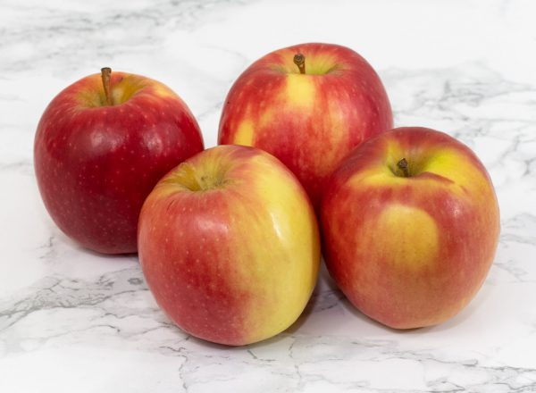 Red apples x 4 1