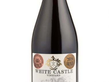 white-castle-pinot-noir-precoce-with-medals